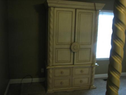 Entire king sized bedroom set, St. Louis